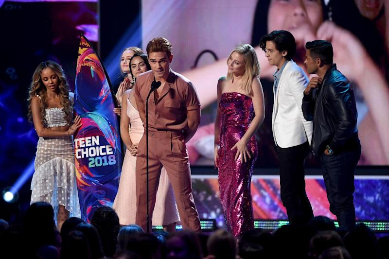 Morgan with the cast of Riverdale at the 2018 Teen Choice Awards (Kevin Winter/Getty Images)