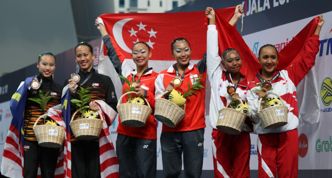 <p>Singapore's Miya Yong and Debbie Soh win Singapore's first gold in the synchronised swimming duet technical routine, an event usually dominated by Malaysia. Malaysia's Gan Hua Wei and Lee Yhing Huey won silver, and Indonesia's Anisa Feritrianti and Claudia Megawati took bronze in event on 18 August. </p>