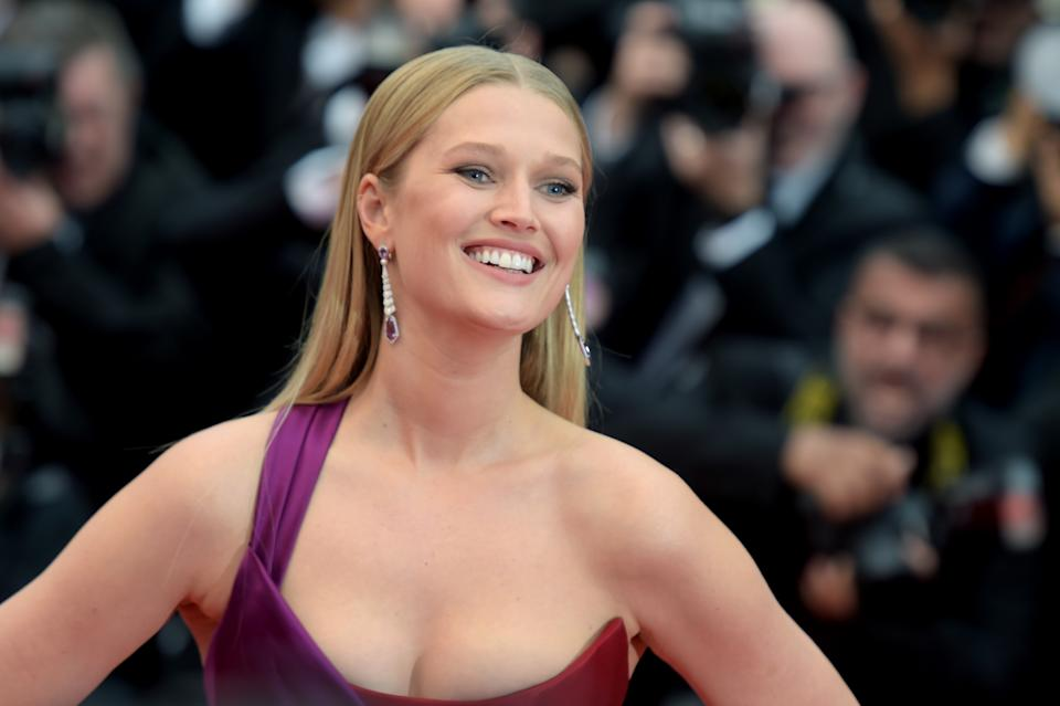 """CANNES, FRANCE - MAY 18: Toni Garrn attends the screening of """"Les Plus Belles Annees D'Une Vie"""" during the 72nd annual Cannes Film Festival on May 18, 2019 in Cannes, France. (Photo by Antony Jones/Getty Images)"""