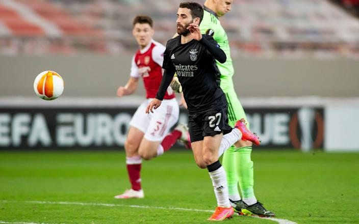 Rafa Silva of Benfica Lissabon scores his team's second goal during the UEFA Europa League Round of 32 match between Arsenal FC and SL Benfica  - Getty Images