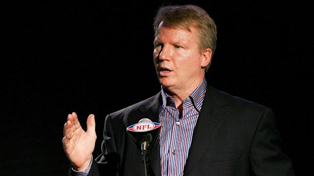 Phil Simms took plenty of abuse in the analyst chair. Now he and CBS have a chance to show what he can do, if they're smart enough to try it.