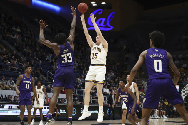 California forward Grant Anticevich (15) shoots over Washington forward Isaiah Stewart (33) during the first half of an NCAA college basketball game in Berkeley, Calif., Saturday, Jan. 11, 2020. (AP Photo/Jed Jacobsohn)