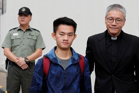 Chan Tong-kai (centre) was released from prison after serving a sentence for money laundering but cannot be tried in Hong Kong for his girlfriend's murder. Photo: Tyrone Siu