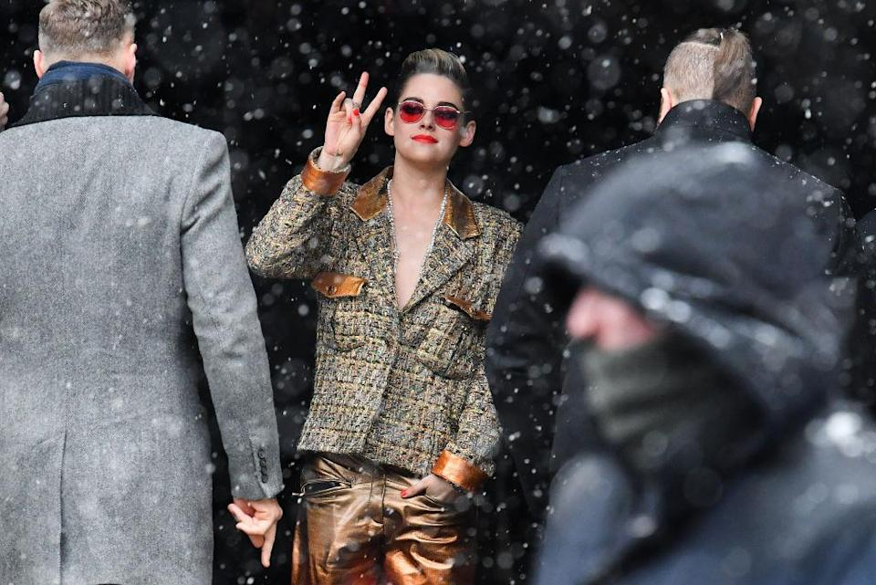 Kristen Stewart is seen arriving at Chanel fashion show during Paris Fashion Week Haute Couture Spring Summer 2020 on January 22, 2019 in Paris, France. (Photo by Jacopo Raule/Getty Images)