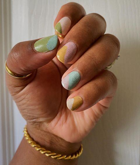 "<p>If these earthy, moody two-toned speckled nails got you in your feelings—but also like, a little worried that you couldn't pull of anything that spectacular, <a href=""https://www.youtube.com/watch?v=odKnmZkaWB4"" rel=""nofollow noopener"" target=""_blank"" data-ylk=""slk:this tutorial"" class=""link rapid-noclick-resp"">this tutorial</a> could help. </p><p><a href=""https://www.instagram.com/p/CNLcGw-MpUo/"" rel=""nofollow noopener"" target=""_blank"" data-ylk=""slk:See the original post on Instagram"" class=""link rapid-noclick-resp"">See the original post on Instagram</a></p>"