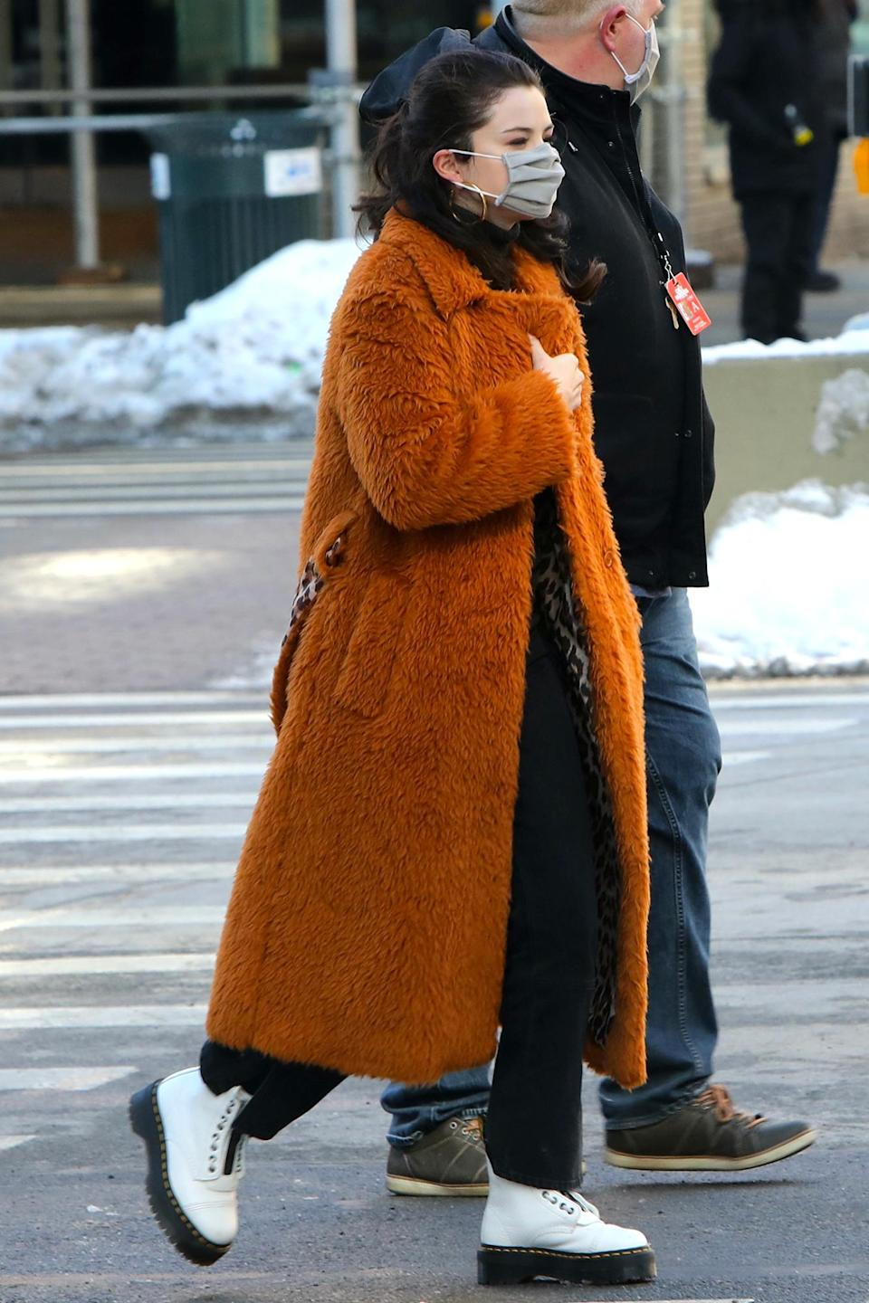 <p>Selena Gomez was spotted filming at her upcoming project <em>Only Murders in the Building</em> in Manhattan.</p>
