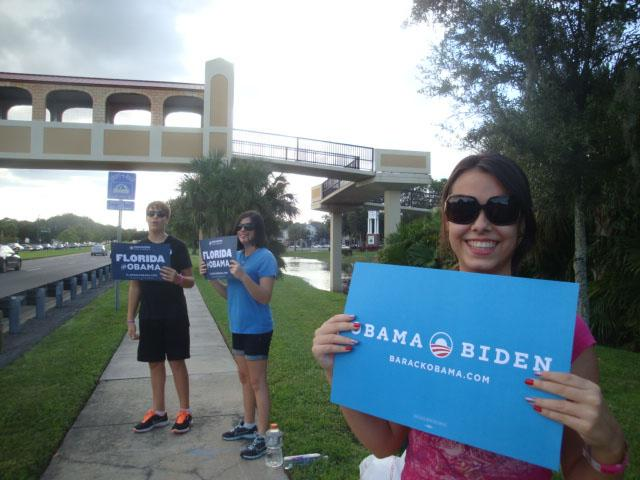 Darnell Kreuzer's teenagers with their Obama signs in Florida. (Darnell Kreuzer)