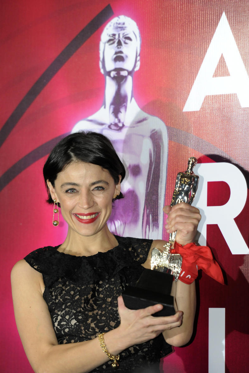 MEXICO CITY, MEXICO - JUNE 24 Ilse Salas, winner of the Ariel for Best Actress for Las niñas bien, in the 61th Ariel Awards at Cineteca Nacional on June 24, 2019 in Mexico City, Mexico. (Photo by Pedro Martin Gonzalez Castillo/Getty Images)