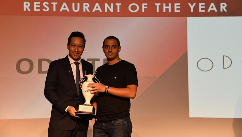 Odette chef Julien Royer (right) receives that Restaurant of the Year award at the World Gourmet Awards 2019. (PHOTO: World Gourmet Awards)