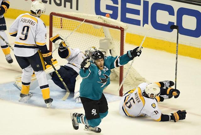 Joe Pavelski scored the go-ahead goal with 2:40 remaining and Martin Jones finished with 37 saves as the Sharks defeated the Nashville Predators 3-2 for a 2-0 series lead (AFP Photo/Thearon W. Henderson)