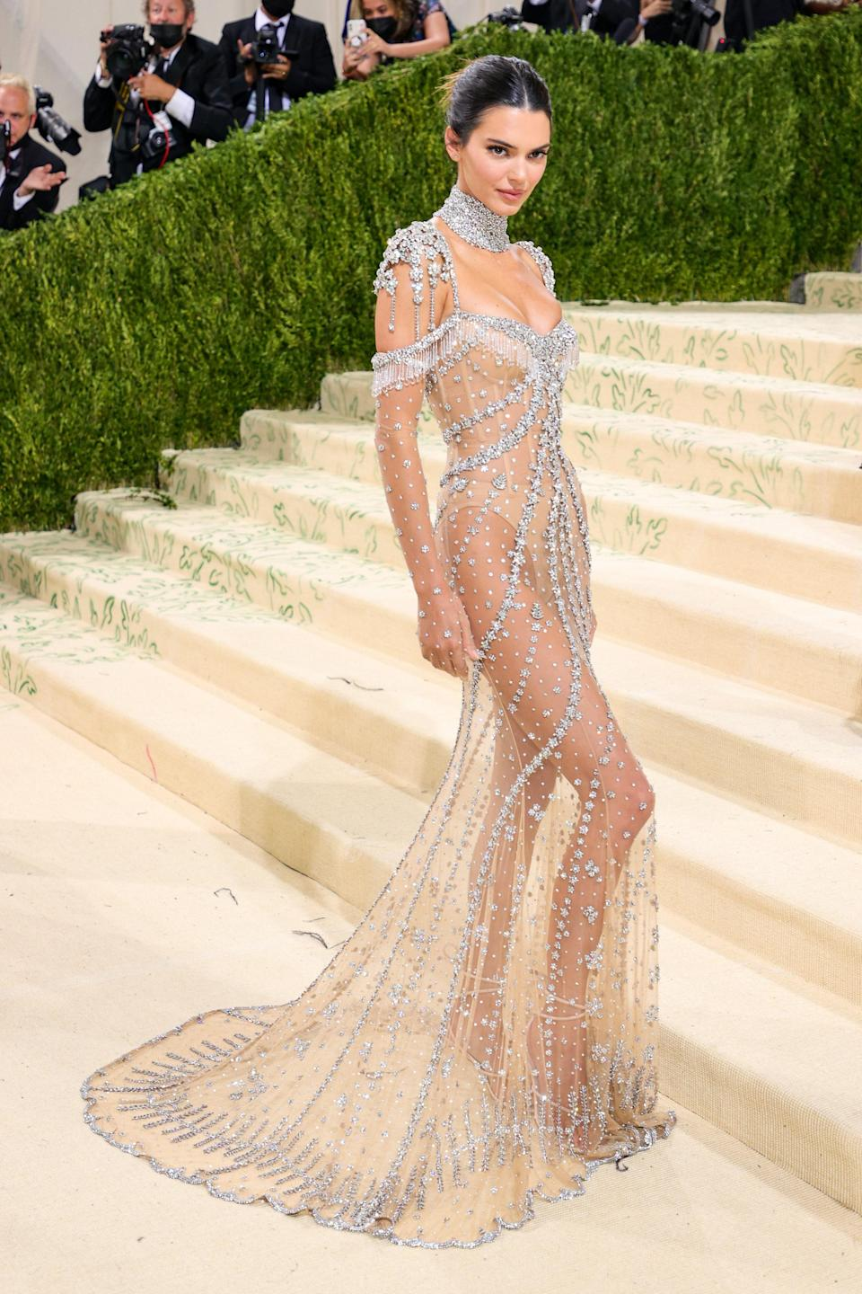 """<h1 class=""""title"""">Kendall Jenner in Givenchy</h1><cite class=""""credit"""">Photo: Getty Images</cite>"""