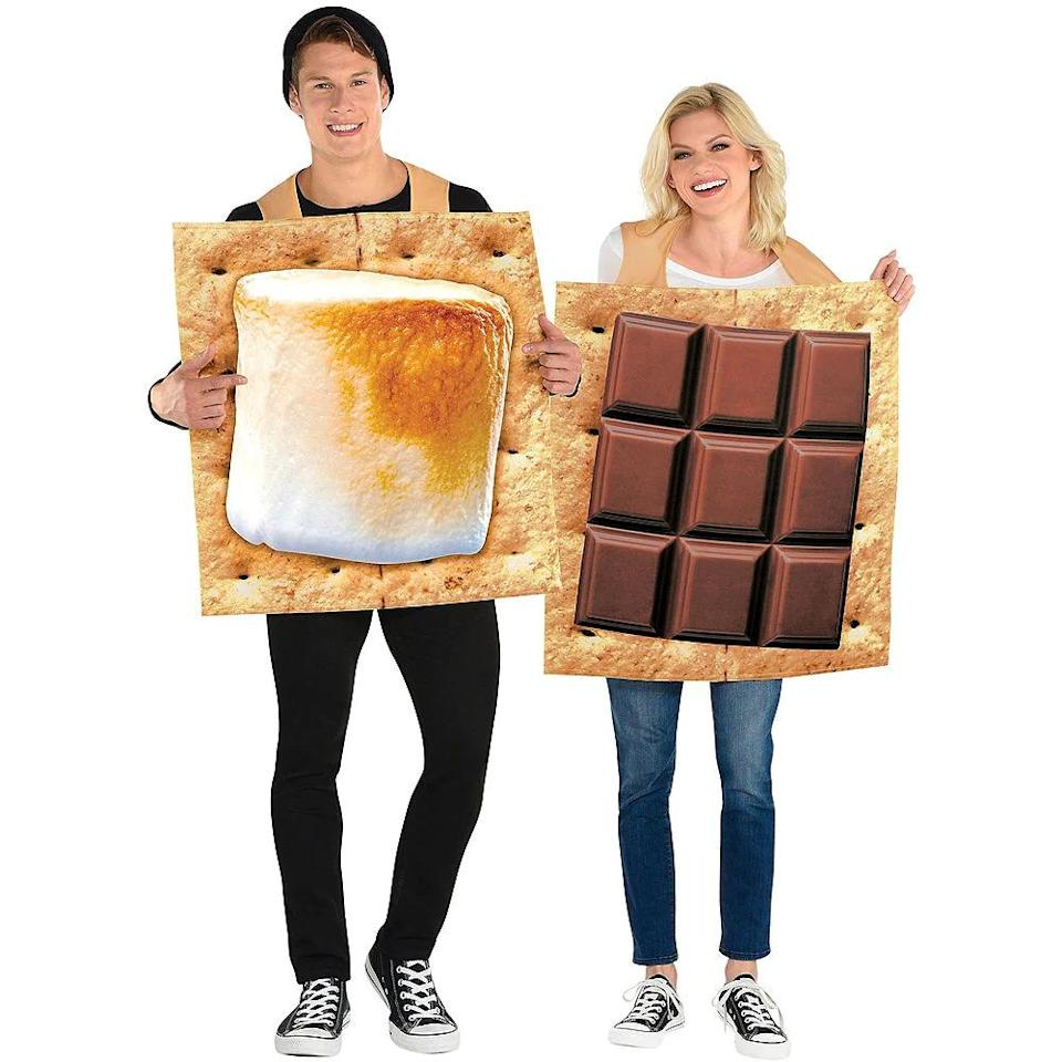 s'mores couples costume, best couples Halloween costume