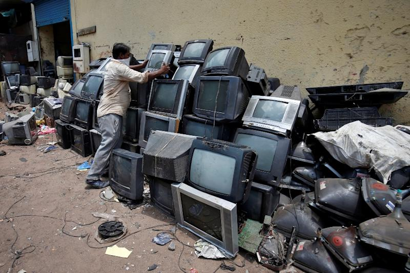 'Unsustainable': UN Report Says 53.6 Million Tonnes of E-waste Dumped Last Year, Cites China, India & US