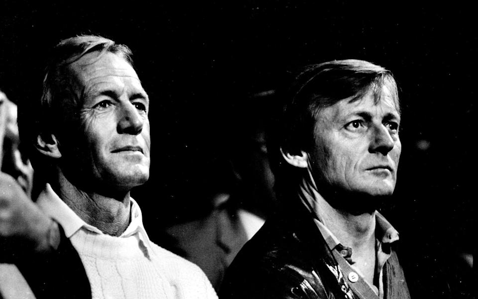 Paul Hogan and John Cornell in 1986 - Peter Kevin Solness/Fairfax Media via Getty Images