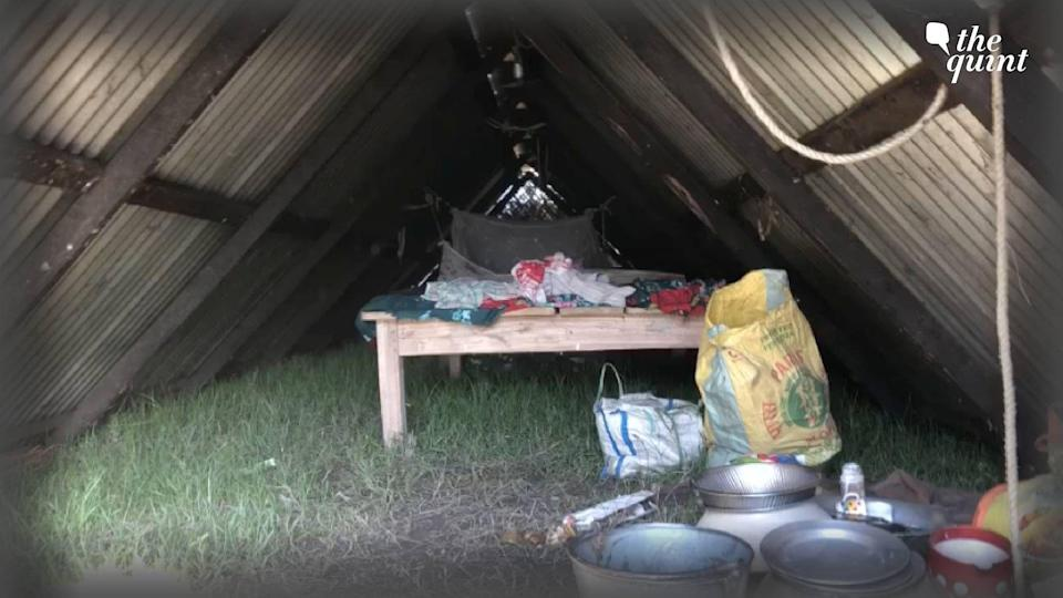 """<div class=""""paragraphs""""><p>The evicted have taken shelter in the makeshift structures for now. </p></div>"""