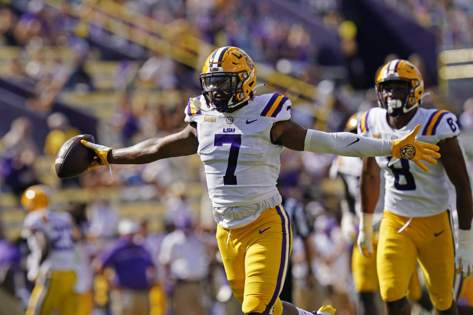 LSU wide receiver Ja'Marr Chase (7) is favored to be the top receiver in the 2021 NFL draft. (AP Photo/Gerald Herbert)