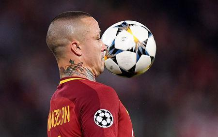 Soccer Football - Champions League Semi Final Second Leg - AS Roma v Liverpool - Stadio Olimpico, Rome, Italy - May 2, 2018 Roma's Radja Nainggolan in action REUTERS/Alberto Lingria