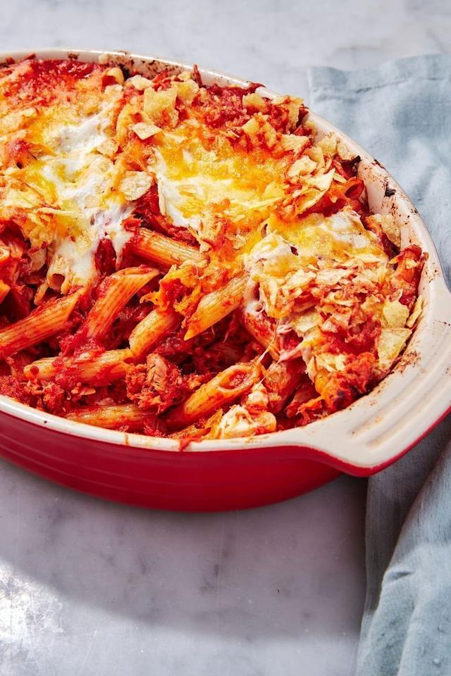 "<p>Most of you might think you know how to make a tuna <a href=""https://www.delish.com/uk/pasta-recipes"" target=""_blank"">pasta</a> bake, but to make a GOOD one, it's more than just bunging all your ingredients into a dish a la uni student days. Our pasta bake takes a little bit more time, but is worth the effort. </p><p>Get the <a href=""https://www.delish.com/uk/cooking/recipes/a30267815/tuna-pasta-bake/"" target=""_blank"">Tuna Pasta Bake</a> recipe.</p>"