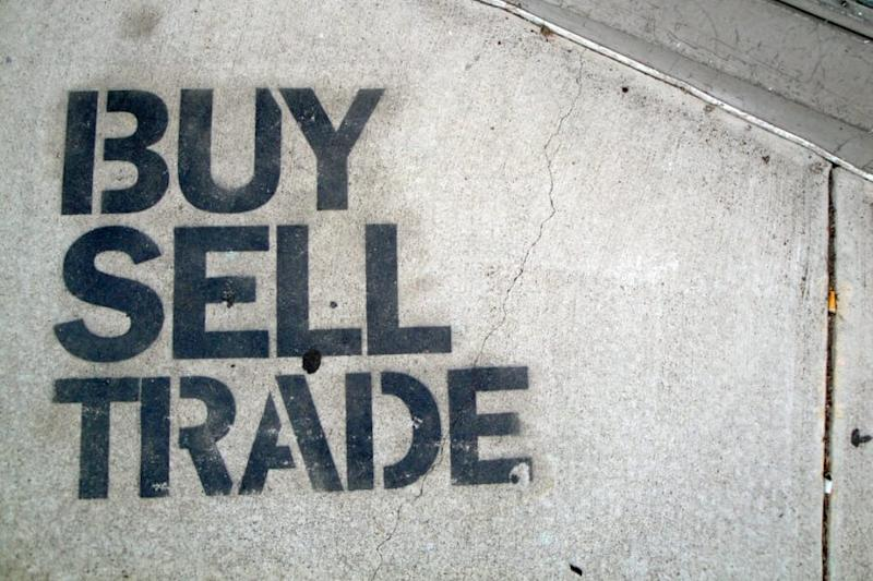 Is it better to buy or trade cryptocurrency?