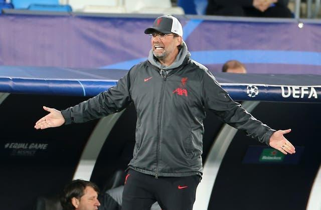 Liverpool manager Jurgen Klopp spreads his arms on the touchline
