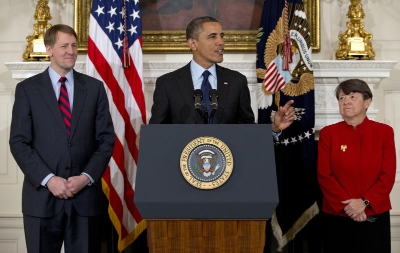 Obama praises nominees for SEC, consumer panel