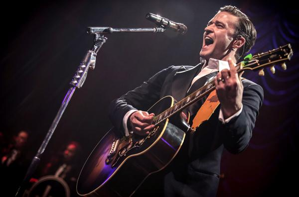 On the Charts: Justin Timberlake Holds Fast to Number One