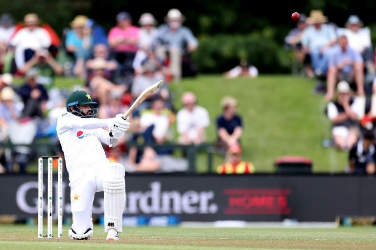 Azhar Ali was holding the Pakistan innings together as he edged towards a century in the second Test against New Zealand