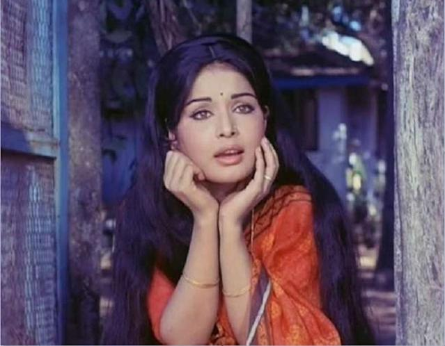 Two regional films were enough for her to grab the attention of Mumbai filmmakers. In 1970, paired opposite Dharmendra, she made her first appearance on the screen of Hindi cinema. <em>Jeevan Mrityu</em> was a box office success and sealed the debutante actress's career in Bollywood.