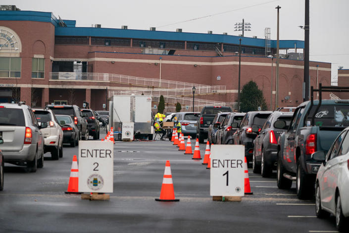 Cars line up at a COVID-19 testing site in Wilmington, Delaware, Dec. 21, 2020. (Getty Images)