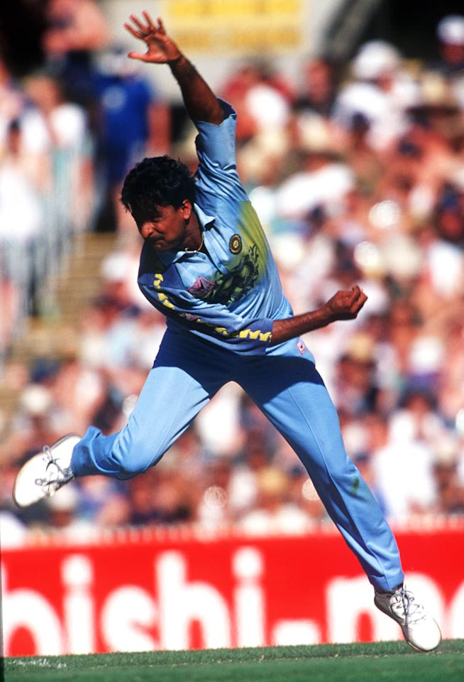 12 Jan 2000:  Javagal Srinath of India comes in to bowl during the Carlton and United Series match between Australia and India, played at the Melbourne Cricket Ground, Melbourne, Australia.   Mandatory Credit: Hamish Blair/ALLSPORT