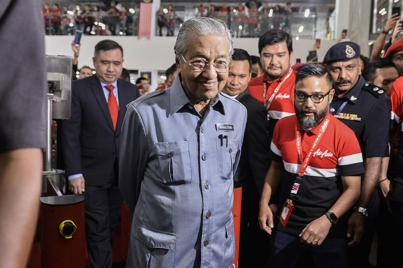 Prime Minister Tun Dr Mahathir Mohamad visits AirAsia RedQ in Sepang August 16, 2019. — Picture by Miera Zulyana