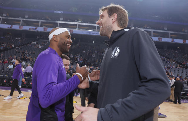 "<a class=""link rapid-noclick-resp"" href=""/nba/players/3252/"" data-ylk=""slk:Dirk Nowitzki"">Dirk Nowitzki</a> and Vince Carter will both return for their 21st seasons in the NBA. (Getty Images)"