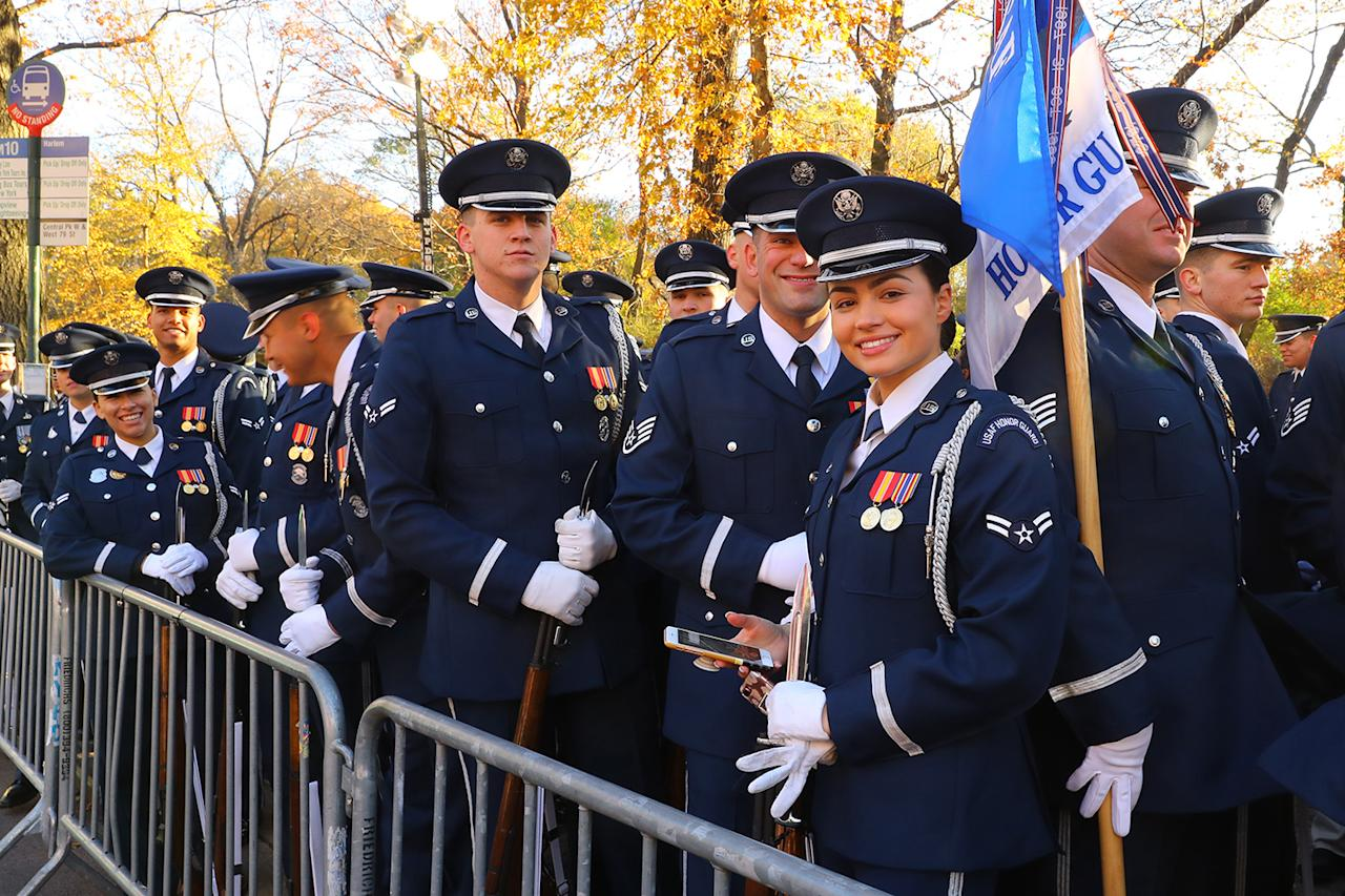 <p>Members of the U.S. Air Force Band from Washington, D.C., await the start of the 91st Macy's Thanksgiving Day Parade in New York, Nov. 23, 2017. (Photo: Gordon Donovan/Yahoo News) </p>