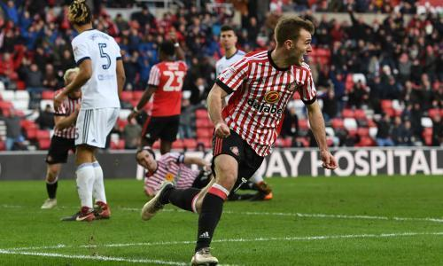 Sunderland snatch draw against Middlesbrough at end of wild derby