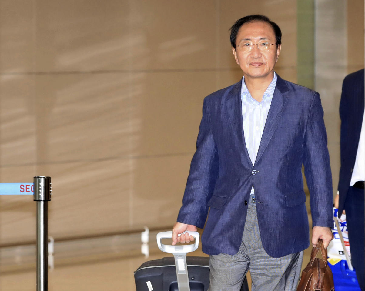 In this July 22, 2018, photo, South Korean lawmaker Roh Hoe-chan arrives after visiting the U.S. at Incheon International Airport in Incheon, South Korea. The prominent liberal South Korean politician embroiled in a corruption scandal has been found dead in a possible suicide. (Han Jong-chan/Yonhap via AP)