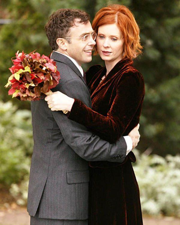 <p>Miranda Hobbes always did things her own way (see: getting adult braces and eating cake from the trash), and her wedding to Steve was no exception. She opted for a velvet outfit and a bouquet of leaves. You do you. </p>