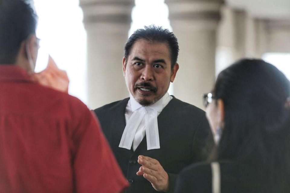 Lawyer Rosli Dahlan is pictured at the Kuala Lumpur Court Complex June 18, 2020. — Picture by Ahmad Zamzahuri