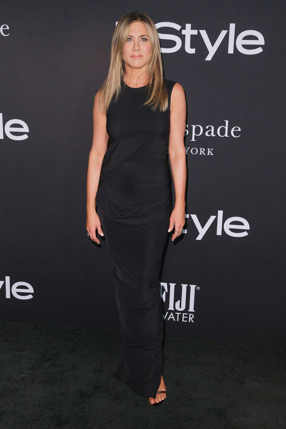 """<p>""""She's very diligent. She is ready to work out hard, every single time she hits the gym,"""" Azubuike told <a href=""""https://people.com/health/jennifer-aniston-trainer-leyon-azubuike-boxing-workout/"""" rel=""""nofollow noopener"""" target=""""_blank"""" data-ylk=""""slk:People"""" class=""""link rapid-noclick-resp"""">People</a>. """"Whether it be a 45-minute session, whether it be a two-hour session, she's always ready to go.""""</p>"""