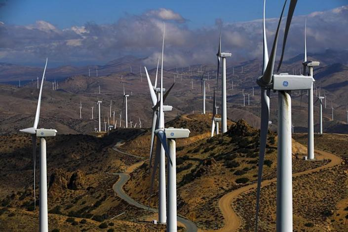 Kern County, CA - March 23: LADWP's Pine Tree Wind Farm and Solar Power Plant in the Tehachapi Mountains Tehachapi Mountains on Tuesday, March 23, 2021 in Kern County, CA.(Irfan Khan / Los Angeles Times)