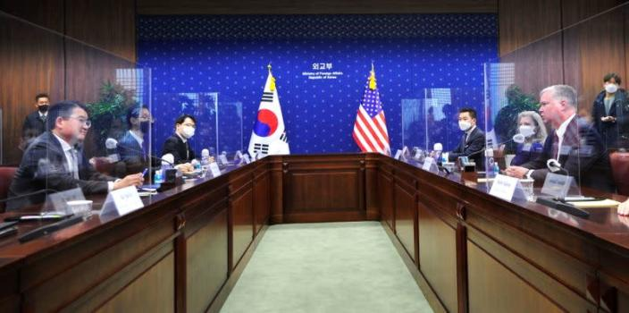 U.S. Deputy Secretary of State Stephen Biegun talks with South Korean Vice Foreign Minister Choi Jong-kun during their meeting at the Foreign Ministry in Seoul