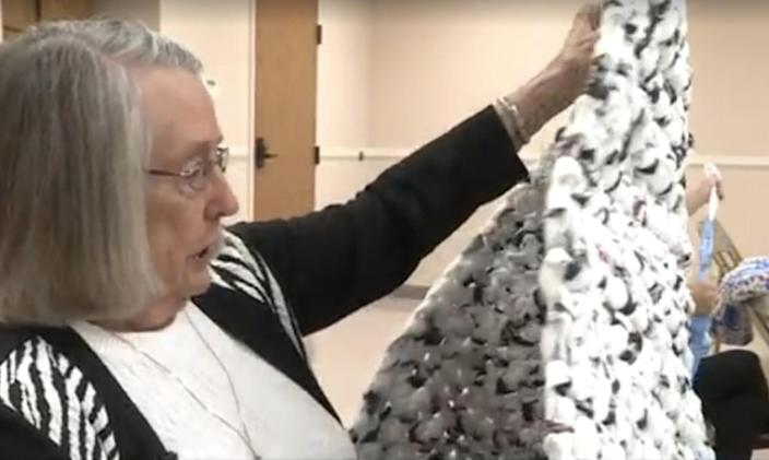 """<p>Hundreds of mats have been made, but one woman, volunteer Marilynn Jones has done more than anyone, drawing from skills she learned 70 years ago. She usually knocks out two each week. """"They tell me I've done 248. I don't keep track,"""" she told <a href=""""http://www.kmvt.com/content/news/?article=352213381"""" rel=""""nofollow noopener"""" target=""""_blank"""" data-ylk=""""slk:KMVT News"""" class=""""link rapid-noclick-resp"""">KMVT News</a>. """"I think the fact that I'm making something worthwhile, where I know where it goes and people that use it need it — I don't like to just crochet for an afghan or something, that doesn't help me — I just need to do something for someone else."""" <i>(Photo: <a href=""""http://www.kmvt.com/content/news/?article=352213381"""" rel=""""nofollow noopener"""" target=""""_blank"""" data-ylk=""""slk:KMVT News"""" class=""""link rapid-noclick-resp"""">KMVT News</a>)</i></p>"""