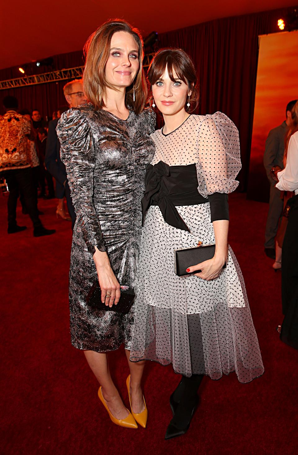 Zooey Deschanel S Husband Files For Divorce After She Goes Public With New Relationship