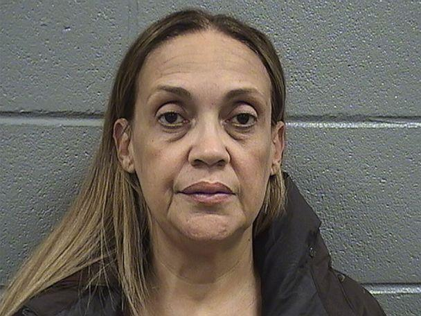 PHOTO: Lissette Ortiz, of Chicago, is seen in this undated booking photo. (Cook County Sheriff's Office)