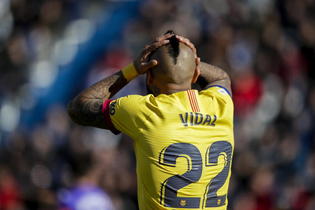 Arturo Vidal se lamenta en el campo. Foto: David S. Bustamante/Soccrates/Getty Images.