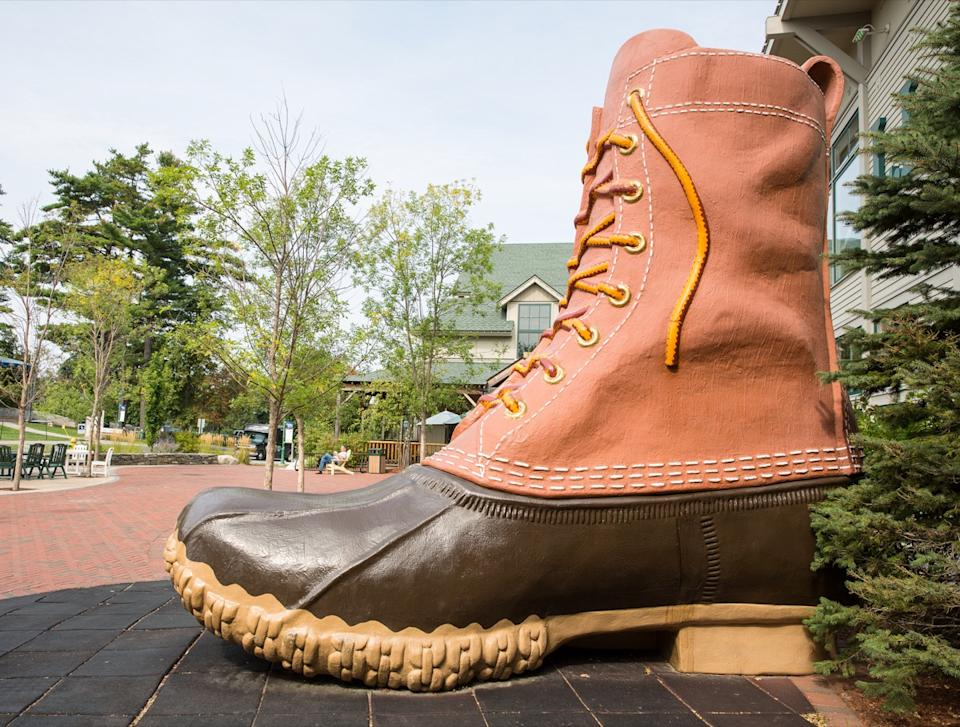 giant boot ll bean headquarters maine, iconic state photos