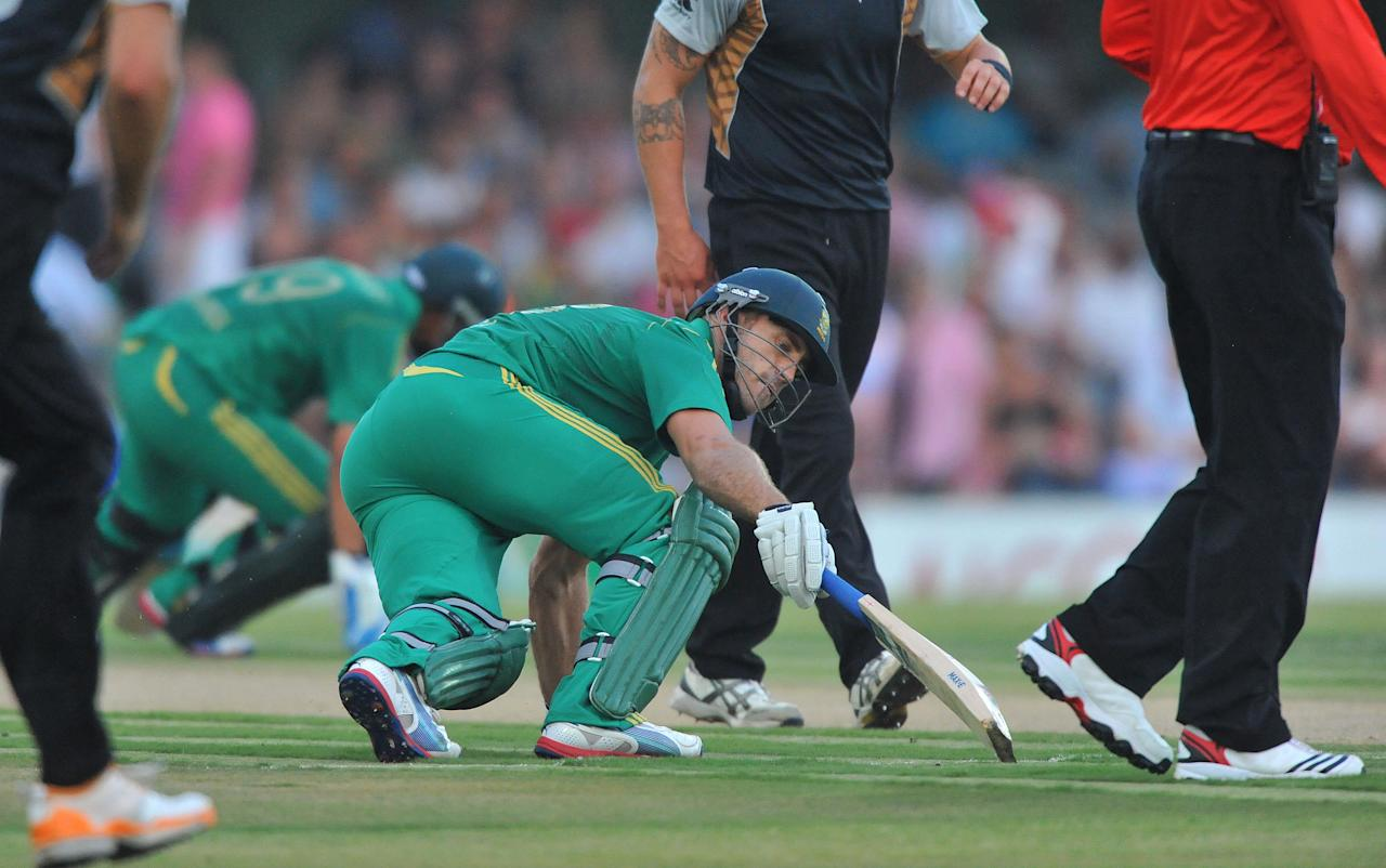 EAST LONDON, SOUTH AFRICA - DECEMBER 23:   Faf du Plessis of South Africa turns for a second run during the 2nd T20 match between South Africa and New Zealand at Buffalo Park on December 23, 2012 in East London, South Africa.  (Photo by Duif du Toit/Gallo Images/Getty Images)