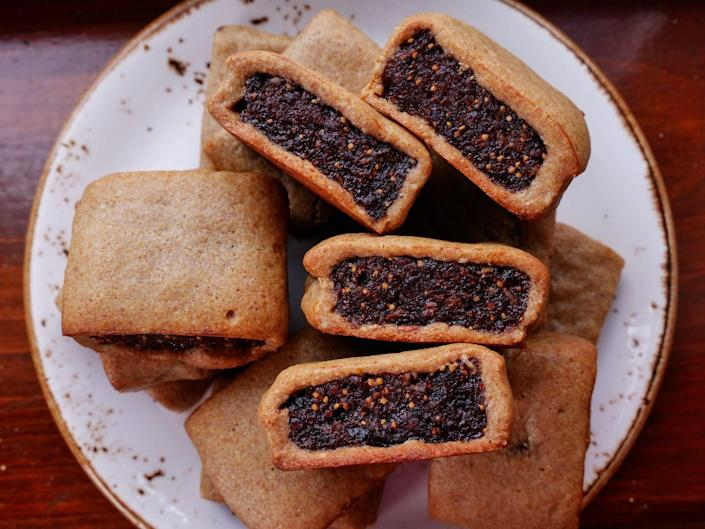 """<p>Newton's got nothing on these.</p><p>Get the recipe from <a href=""""https://www.delish.com/cooking/recipe-ideas/a36880339/fig-bar-recipe/"""" rel=""""nofollow noopener"""" target=""""_blank"""" data-ylk=""""slk:Delish"""" class=""""link rapid-noclick-resp"""">Delish</a>.</p>"""