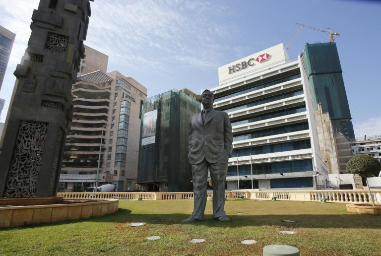 A statue of Lebanon's late premier Rafiq Hariri stands in central Beirut in this picture taken on January 16, 2014 at the site where he was assassinated by a massive car bomb in 2005