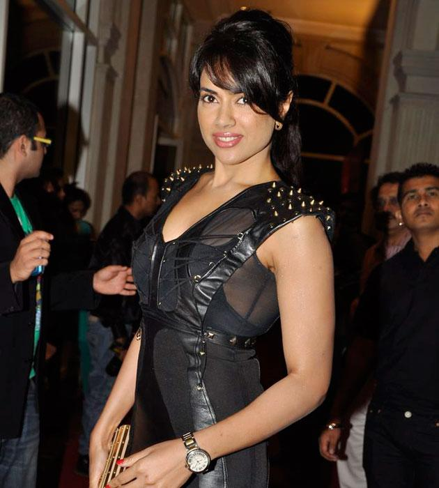 Sameera looked hot in a chic black dress
