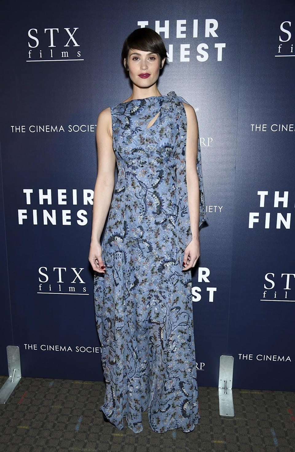 <p>Gemma's pixie cut paired perfectly with this scarf-like printed gown.<br><i>[Photo: AP]</i> </p>
